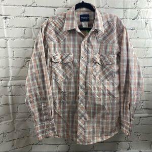 Wrangler men's plaid snap up long sleeved shirt